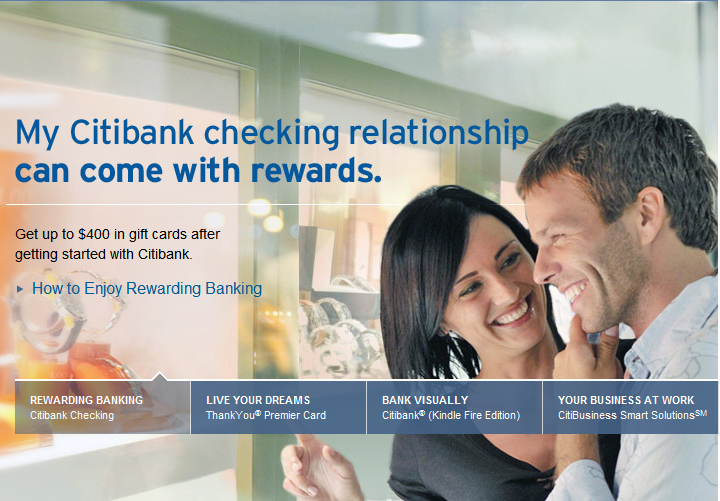 Citibank Relationship Rewards ad: A couple goes shopping.